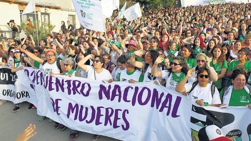 Radio Casona Nº 204 – Estudiantes de todo el país estuvieron en el  Encuentro Nacional de Mujeres 2018